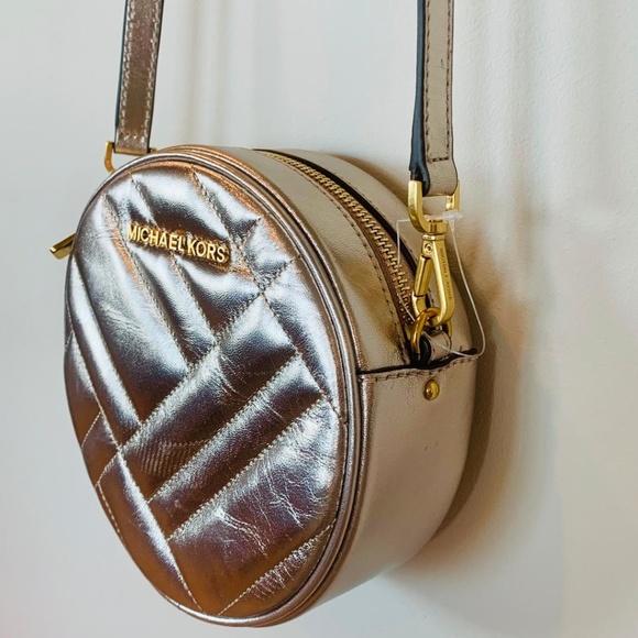 6098f50ce63cd8 Michael Kors Bags | Gold Vivianne Canteen Crossbody 298 | Poshmark